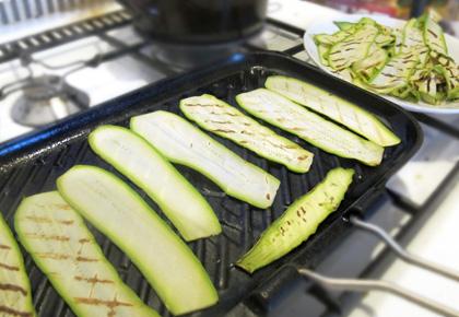 Zucchini grillen würzen